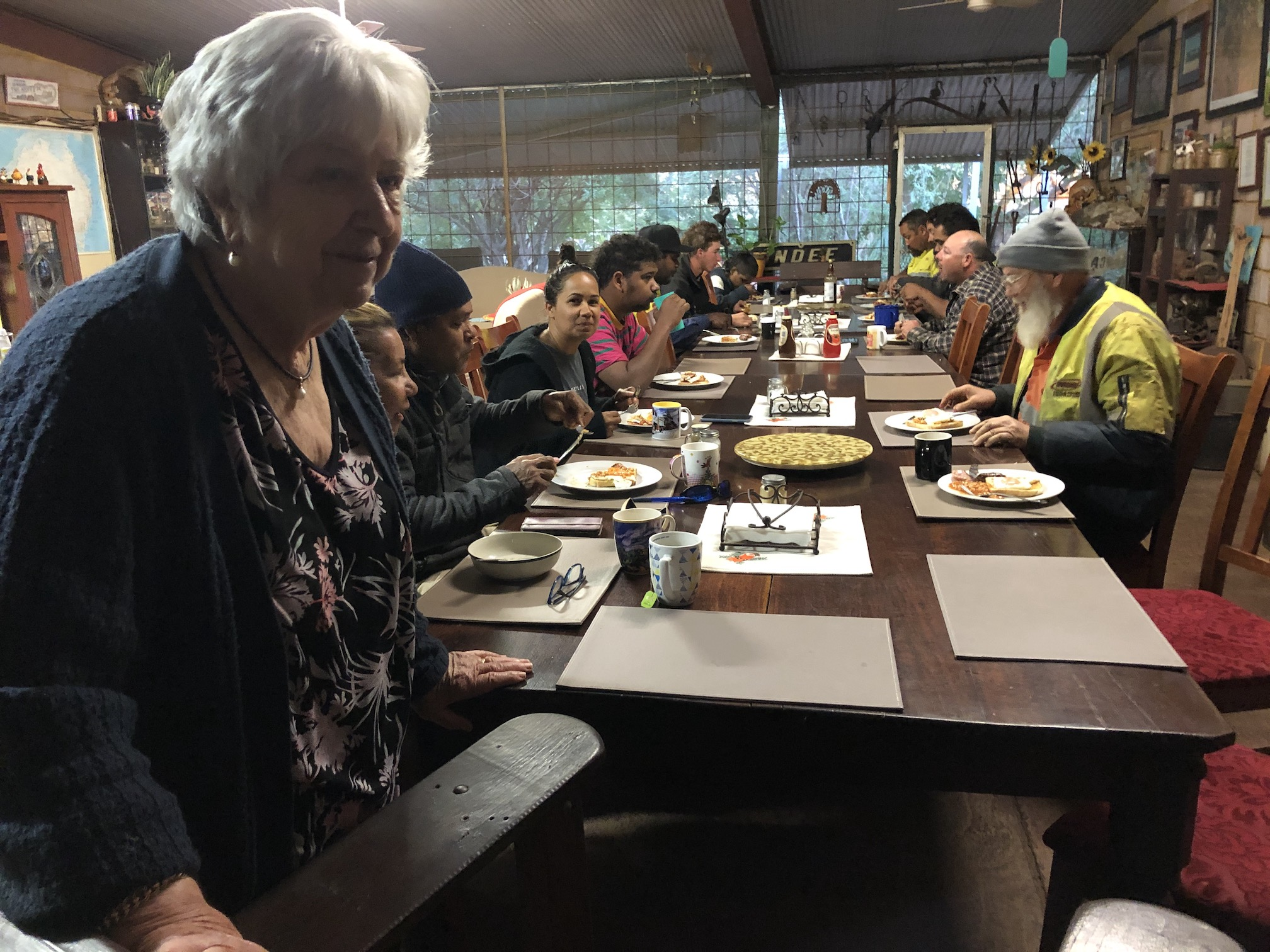 2020-07-31  6.43am Betty with b'fast at Indee for muster mob