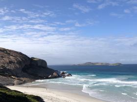 2020-03-30 West beach, S of Esperance - typical surf beach
