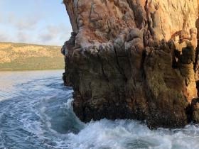 2020-08-11 7am  In the Horizontal Falls