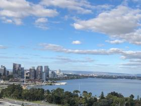 2020-05-18 View to Swan River & Perth city from King's Park